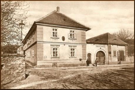Rodný dům Antonína Dvořáka. FOTO + Repro archiv autora