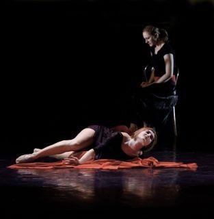 Sama: Nejstarší tanec souboru, vznikl před 11 lety. FOTO archiv souboru