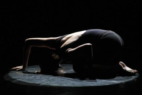 rytmus, pružnost, rychlost, vizuální krása těla - to byly asi hlavní motivy pro tento taneček, zvaný Yemayá FOTO archiv souboru