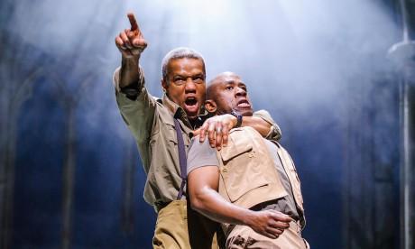 Hugh Quarshie (Othello) a Lucian Msamati (Iago). FOTO TRISTRAM KENTON
