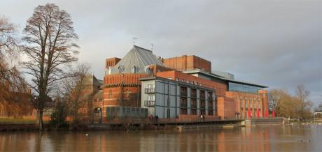 Současná budova RSC (po rekonstrukci otevřená v r. 2010) ve Stratfordu nad Avonou. FOTO archiv
