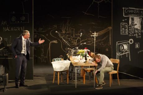 Ibsenův Nepřítel lidu je v Ostremeierově interpretaci děsivě současná sonda do zákulisních praktik politického boje. FOTO archiv festivalu
