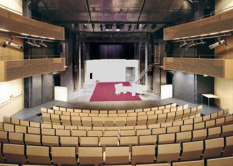 Konečně vidím krásu architektury sálu. FOTO archiv NdB