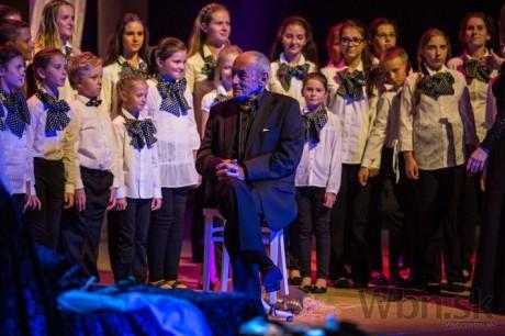 Odovzdávanie Ceny za mimoriadny prínos v oblasti divadla, Jaroslav Blaho a spevácky zbor Pressburg Singers. FOTO SITA/Marko Erd