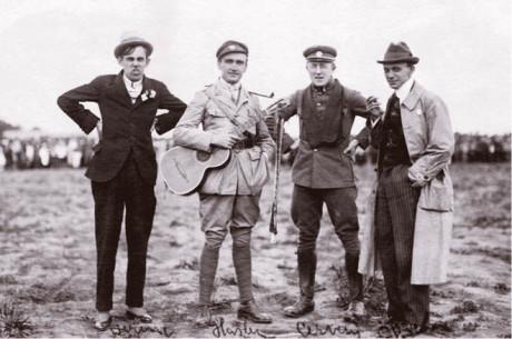 Futurista, Hašler, Červený a Picka
