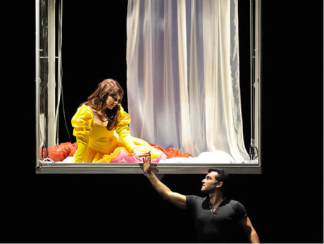 Za Julii získala pěvkyně první Cenu Thálie (Charles Gounod: Romeo a Julie, režie Peter Gabor, NDM Ostrava 2011) FOTO MARTIN POPELÁŘ