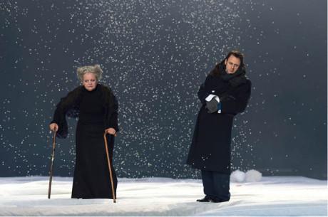 Ödön von Horváth: Don Juan se vrací z války (premiéra 15. 10. 2013, Berliner Ensemble) FOTO RUTH WALZ