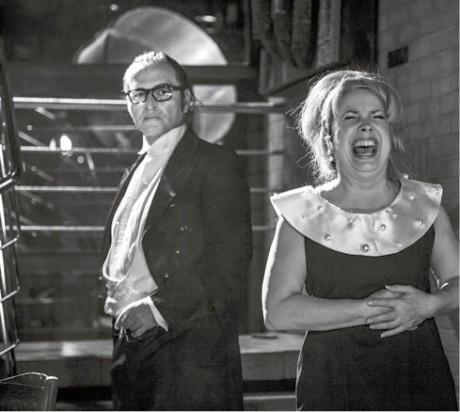 Jan Kolařík jako Josef K. a Ivana Hloužková jako smějící se Manželka FOTO JAKUB JÍRA