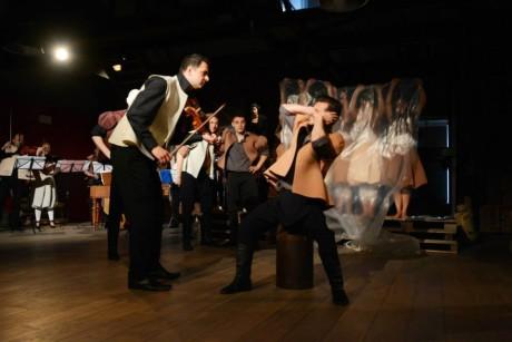 Housle to braly na vážno. Basa smutnila, viola loudila, klarinet lkal. FOTO archiv Hradišťanu