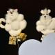 Dva kočičí andílkové se spustili z nebes a přinesli zvířátkům dárečky. FOTO archiv Divadla Radost