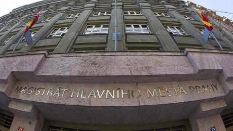 Vchod do pražského magistrátu. FOTO LUKÁŠ BÍBA