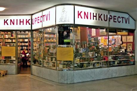 Knihkupectví Michala Ženíška v brněnské Alfa pasáži. FOTO PETR VESELÝ