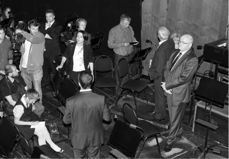 Ministr Daniel Herman  na Dnu otevřených dveří  v orchestřišti Státní opery  FOTO HANA SMEJKALOVÁ