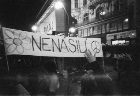 Národní třída, 17. listopad 1989. FOTO archiv
