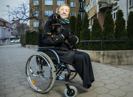 Od roku 2013 byla upoutána na invalidní vozík (snímek je z dubna 2015). FOTO MICHAL SVÁČEK