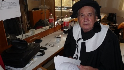 Stanislav Oubram v šatně mosteckého divadla. FOTO archiv