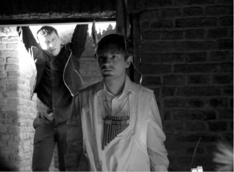 Matěj Nechvátal (Ego) a Norbert Žid (Id) v inscenaci Jana Kačeny Mulo na mě dává strach FOTO TOMÁŠ NOVOTNÝ