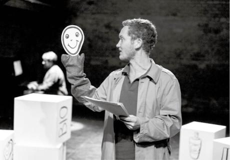Richard Fiala ve scénickém  čtení Satanovy dcery  FOTO ALEXANDR HUDEČEK