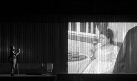 Chlapec s kamerou Petr Vančura a Lucie Polišenská na svatebním videu FOTO JAN HROMÁDKO