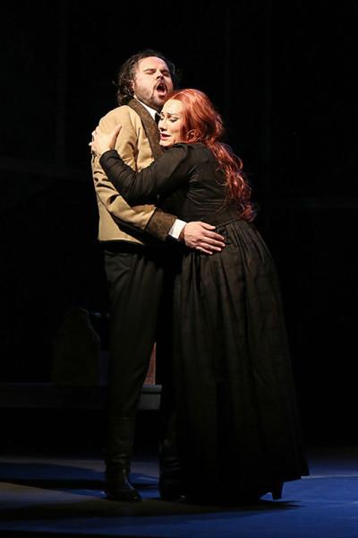 Vztahy postav zůstaly v podobě operáckých klišé (Jakub Rousek a Katarína Jorda)