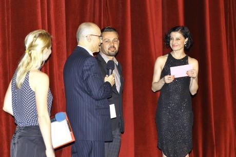 Viliam Dočolomanský obdržel cenu za projekt Odtržení/Disconnected souboru Farma v jeskyni. FOTO archiv Opera Plus