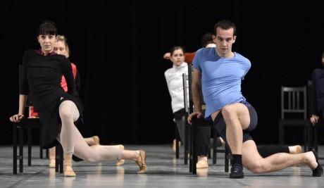 V choreografii Lukáše Timuláka se baletní soubor blýskl rozvernými výkony. FOTO archiv NdB