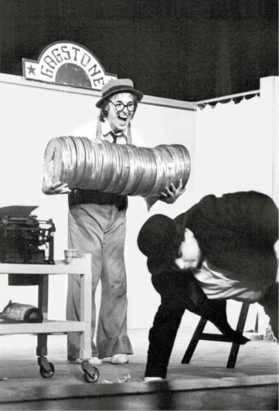 Hybnerův novodobý Pierot v cyklu Na konci zahrady jménem Hollywood. Divadlo Atelier, 1976–79 FOTO PAVEL ŠTOLL