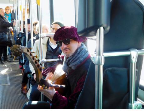 Bence Boka, benátský loutnista přesazený do finské tramvaje FOTO FESTIVAL IHME A PAVEL KLUSÁK