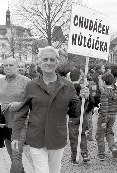 """19. dubna 2016 – Tomáš Hanák """"vítá"""" Miloše Zemana v Berouně foto archiv"""