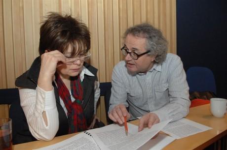 Libuše Šafránková a režisér Jan Jiráň při práci na audioknize Babička. FOTO archiv Popronu