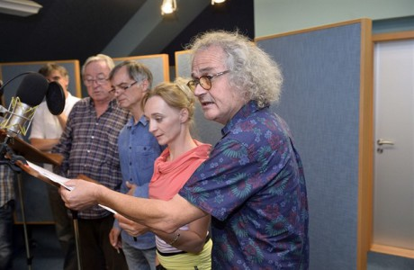 Režisér Jan Jiráň s herci Klárou Sedláčkovou-Oltovou, Ivanem Trojanem a Jiřím Lábusem. FOTO archiv Radioservisu