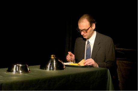 Jako Eichmann v inscenaci hry Tomáše Vůjtka Slyšení. Režie Ivan Krejčí, Komorní scéna Aréna (2015) FOTO ROMAN POLÁŠEK