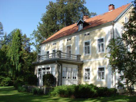 Památníku Karla Čapka na Strži. FOTO archiv PKČ