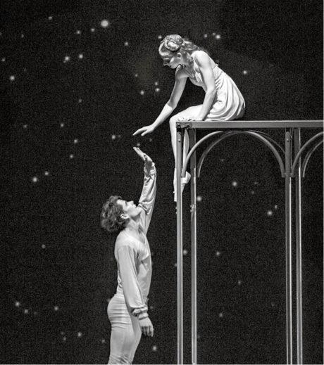 Ondřej Vinklát a Alina Nanu v baletní inscenaci ND Romeo a Julie (chor.Petr Zuska, prem. 14. listopadu 2013) FOTo MARTIN DIVÍŠEK