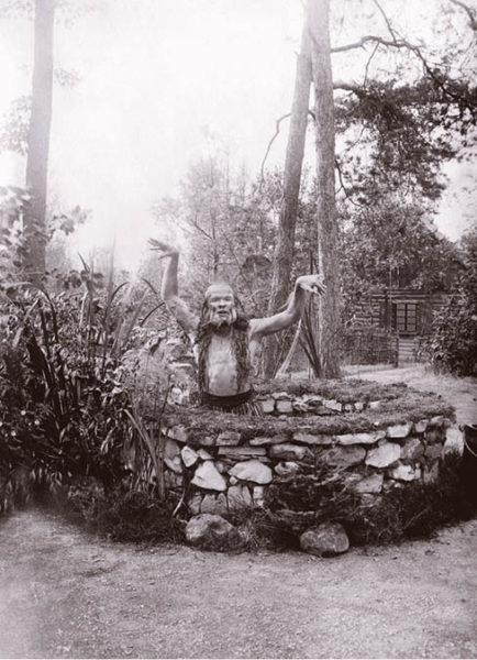 Vodník (Václav Čekan) ve hře Gerharta Hauptmanna Potopený zvon, Lesní divadlo Řevnice 1921,  FOTO ARCHIV