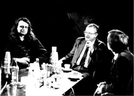 S performerem Lumírem Tučkem, vedoucím R. S. Vpřed, během televizní diskuze o fenoménu Pražské pětky začátkem 90. let FOTO OLGA SVOBODOVÁ