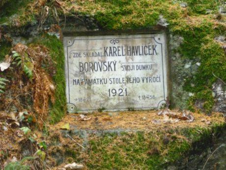 Deska pamětní - Karel Havlíček Borovský, Batelov u Jihlavy. FOTO archiv