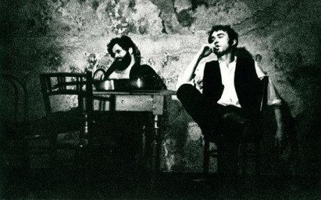 Radim Vašinka jako Baal a Jan Zelenka ve stejnojmenné Brechtově hře, uváděné Divadlem Orfeus v r. 1970 v čs. premiéře. FOTO archiv Radima Vašinky
