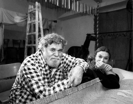 Principálové Radim Vašinka a Irena Hýsková  v interiéru svého krytového Divadla Orfeus  FOTO MICHAL KRUMPHANZL