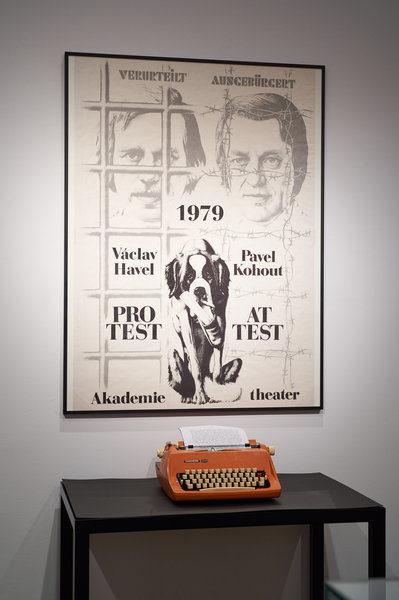 Součástí expozice je i Havlův psací stroj. FOTO ROSOLI / Theatermuseum