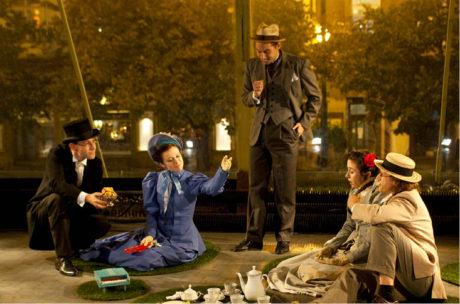 Inscenace Požár pojednávala o měnící se evropské společnosti na přelomu 19. a 20. století (premiéra 19. října 2011 v bývalém Ústředí lidové umělecké výroby na Národní třídě) FOTO JÁCHYM KLIMENT