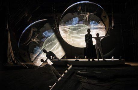 Hamlet podle Shakespeara (r. Krzysztof Garbaczewski, Narodowy Stary Teatr Kraków, prem. 13. 6. 2015). FOTO archiv divadla