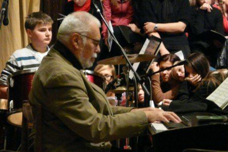 U klavíru během provedení své Celebration Jazz Mass v roce 2011. FOTO archiv