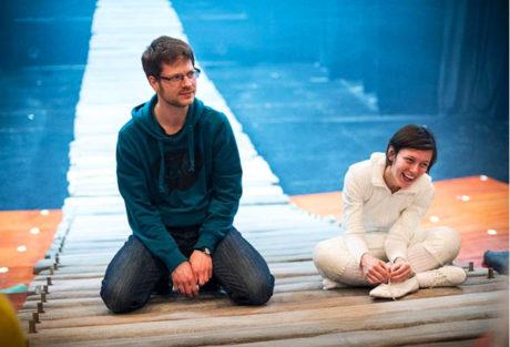 Jiří Adámek s Vendulou Holičkovou během zkoušení inscenace Libozvuky v divadle Minor (premiéra 12. dubna 2015) FOTO ARCHIV DIVADLA
