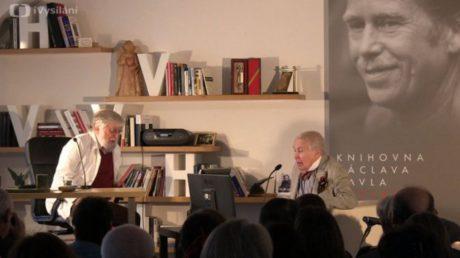 Ivan M. Havel a Pavel kohout ve scénické hříčce RR, již uvádí Knihovna Václava Havla. FOTO archiv KVH