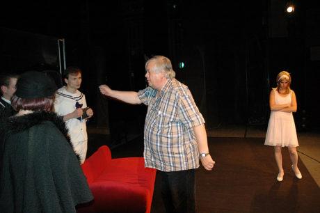 Z generálky hry Arthura Lee Kopita Tatínku, ubohý tetínku, maminka tě pověsila do šatníku a mně je tak smutno v Horáckém divadle Jihlava (prem. 12. září 2009). FOTO archiv JAN ČERNO