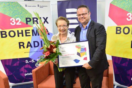 Hana Maciuchová, čestná prezidentka PBR, a René Zavoral, generální ředitel ČRo. FOTO A. FILIČÍKOVÁ