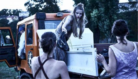 Popelářské auto přivezlo ostatky mrtvých... FOTO MARTIN ŠPELDA
