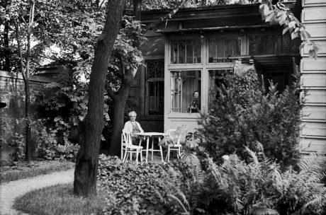 Na zahradu padal stín... FOTO archiv MZM