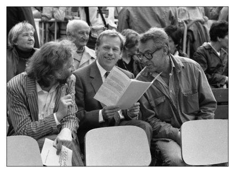 S Petrem Oslzlým a Milošem Formanem. FOTO PAVEL VÁCHA